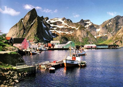 1500 pieces jigsaw puzzle by castorland, fisher village lofoten islands norway fishervillage