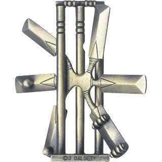 hanayama puzzles, metal puzzle by puzzlemaster, cricket cricket
