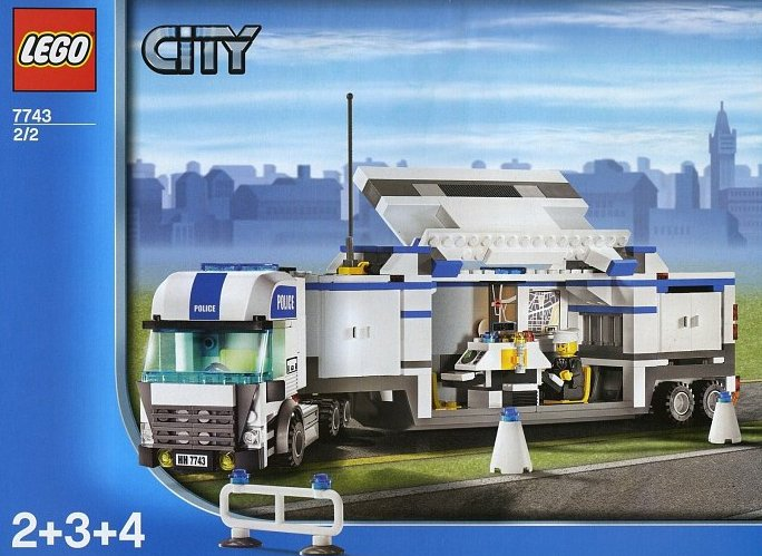lego city police command center 524 pieces of lego blocks lego-city-police-command-center