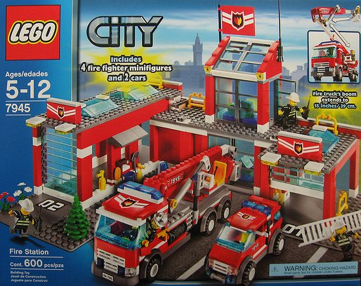 lego city fire station 600 pieces of lego blocks lego-city-fire-station