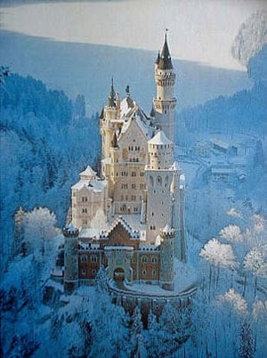 Neushwanstein Castle in Winter 1500Piece JigsawPuzzle by Ravensburger Germany neuschwansteincastleinwinter
