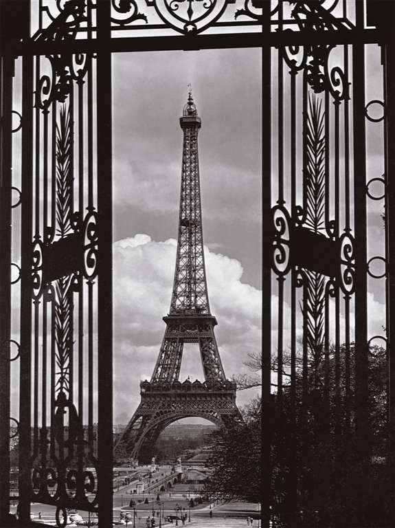 in paris eiffel tower jigsaw puzzle, ravensburger, 1000 pieces, corbis photo 163946 in-paris