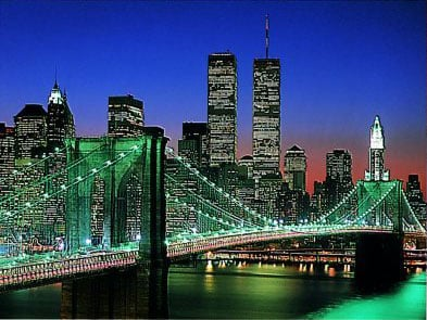 NewYork City by Night with the TwinTowers lighted up in the scenery 2000Piece puzzle by Ravensburger newyorkcitybynight