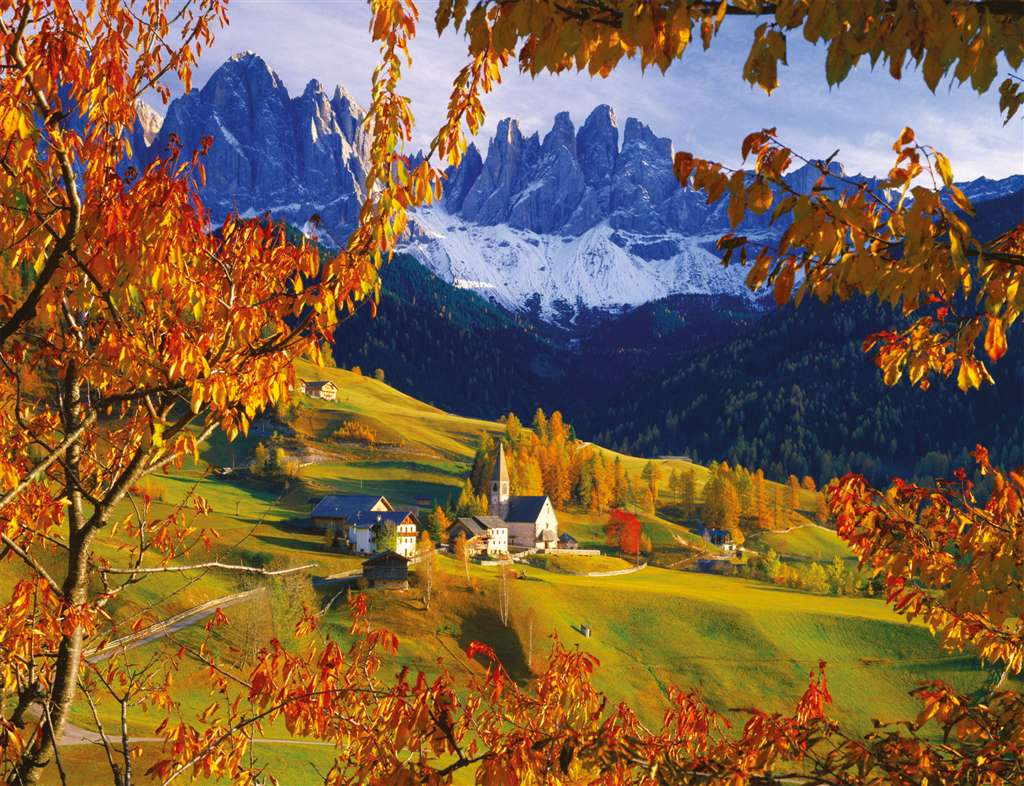 italy dolomite mountain range in autumn photo for ravensburger 2000 piece jigsaw puzzel the-dolomites-in-autumn