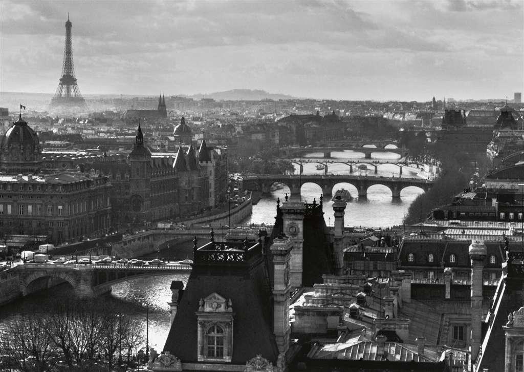 Paris and the Seine eiffel tower jigsaw puzzle, ravensburger, 1000 pieces, corbis photo 193554 paris-seine